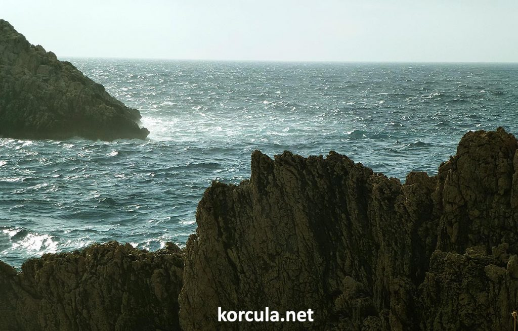 Some of the coastlines of Defora is truly breathtaking