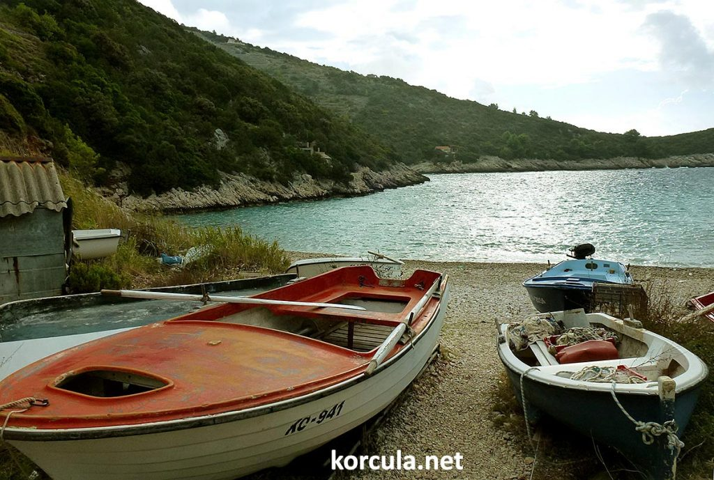 Small fishing boats in the bay