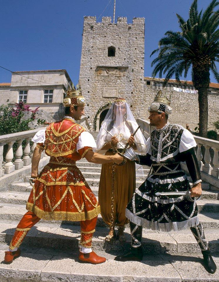 Moreška dancers